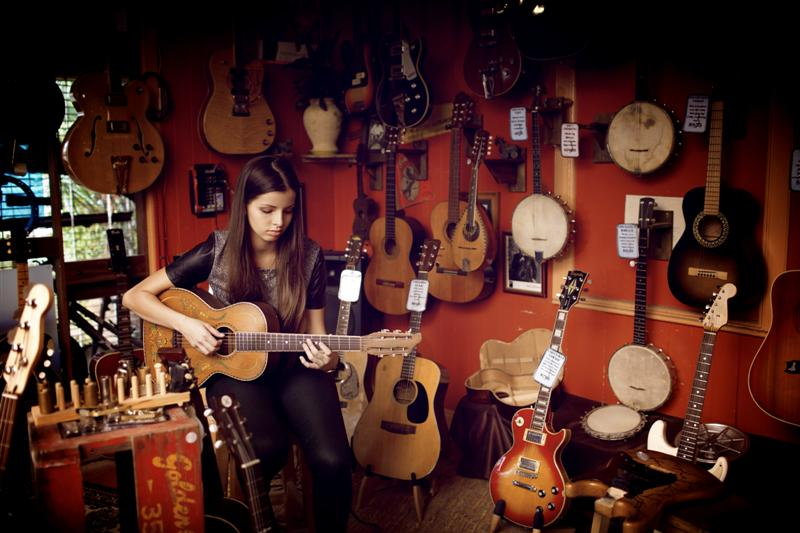 Cesira Aitken from Junglew Giants in Brisbane Guitar Shop The Guitar Repairers
